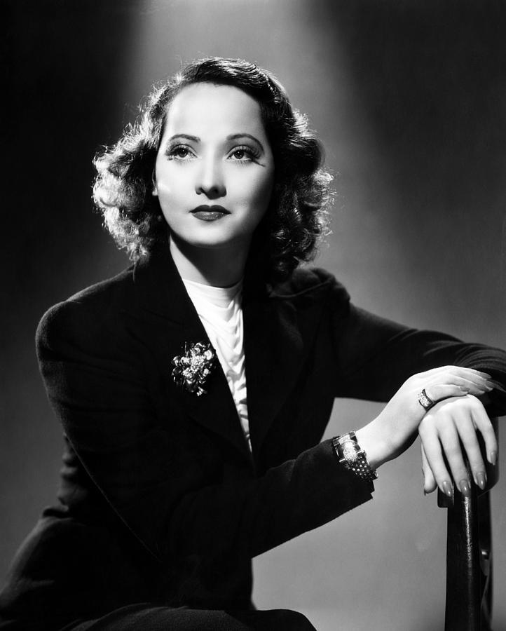 merle oberon francesca pagliaimerle oberon films, merle oberon actress, merle oberon, merle oberon photos, merle oberon youtube, merle oberon wuthering heights, merle oberon old, мерле оберон, merle oberon images, merle oberon imdb, merle oberon and robert wolders, merle oberon jewelry, merle oberon and john wayne, merle oberon sister, merle oberon net worth, merle oberon facial scars, merle oberon francesca pagliai