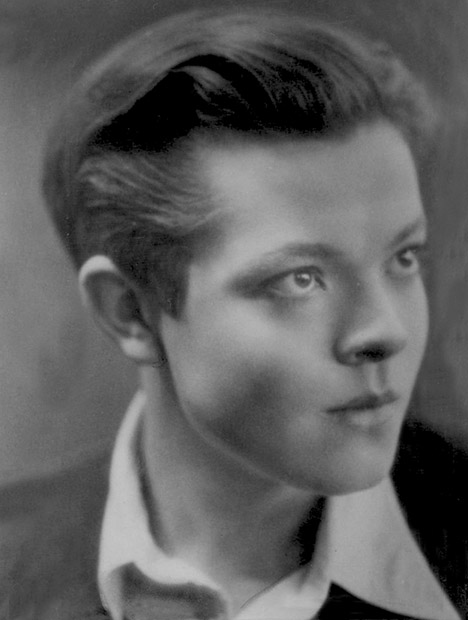 the life and works of orson welles Examine the life, times, and work of orson welles through detailed author biographies on enotes.