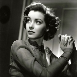 Blacklisted Marsha Hunt to be honored in Hollywood