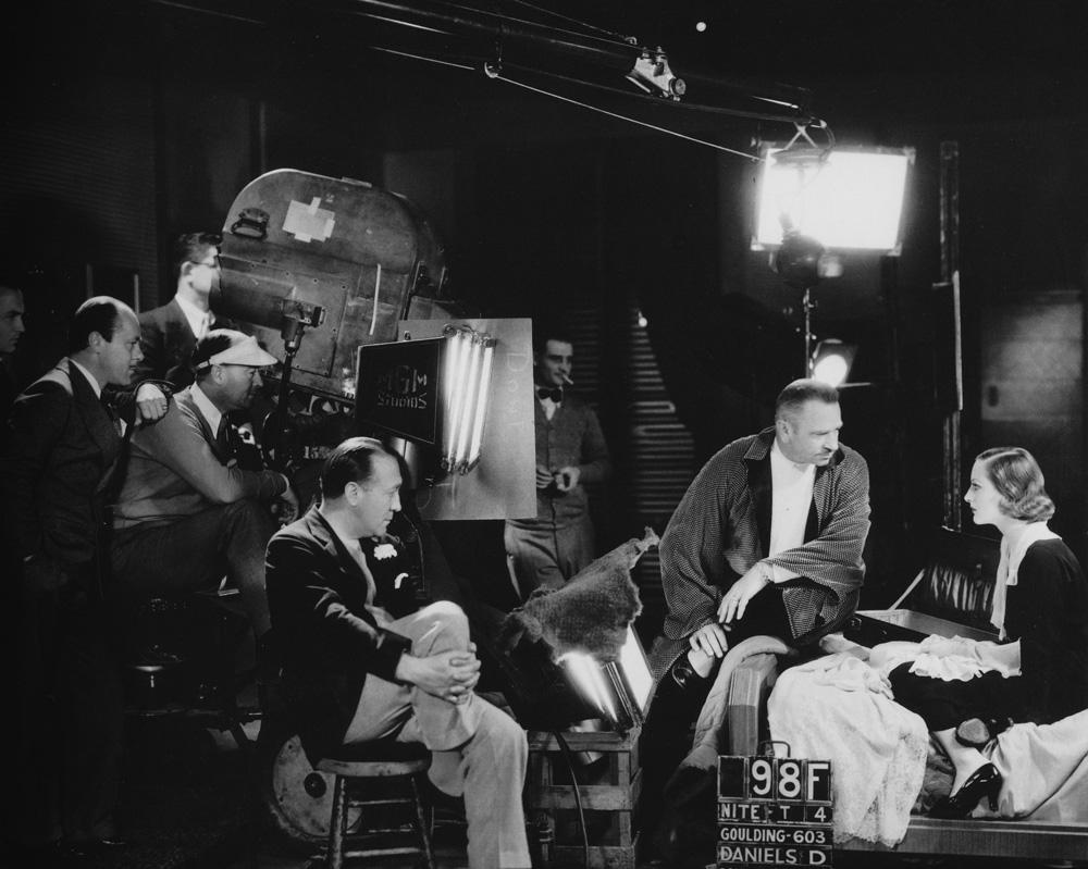 Julie Reviews Joan Crawford In Grand Hotel 1932