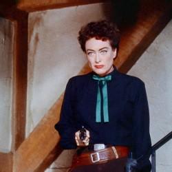 """Julie Reviews Joan Crawford in """"Johnny Guitar"""" (1954)"""
