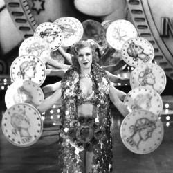 "Lynn reviews Busby Berkeley's ""Gold Diggers of 1933"" (1933)"